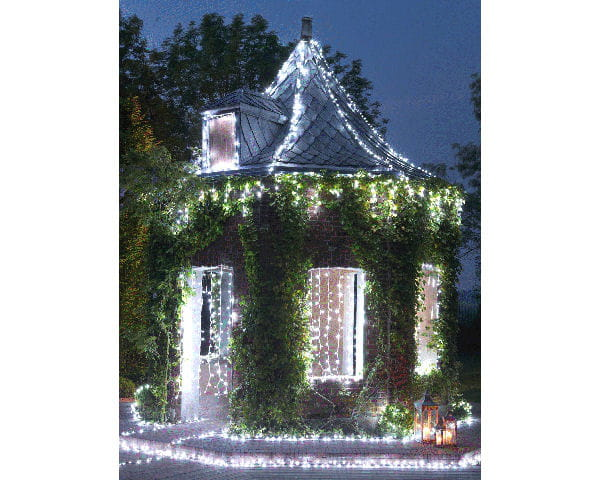 Guirlandes lumineuses jardin chic d co de no l objets for Decoration jardin lumineuse