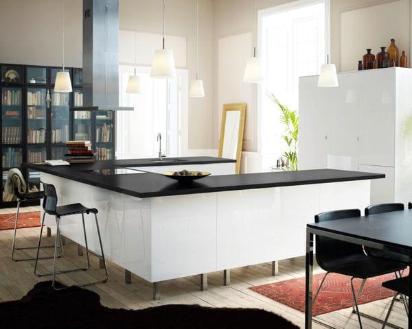 ilot de cuisine faktum abstrak d 39 ikea l 39 lot trouve sa place dans la cuisine journal des femmes. Black Bedroom Furniture Sets. Home Design Ideas