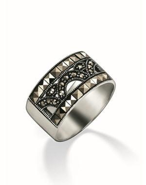 bague architecturale du man ge bijoux no l 2012 des. Black Bedroom Furniture Sets. Home Design Ideas