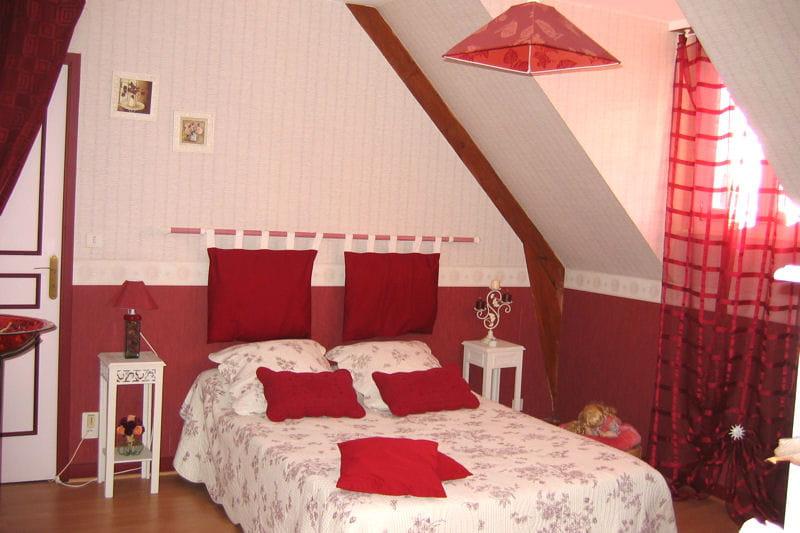 La chambre d 39 agn s couleurs saint valentin vos plus for Couleur chambre couple