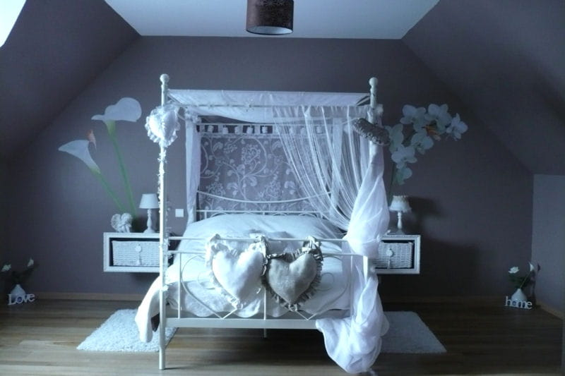 la chambre de delphine chic vos plus belles chambres romantiques journal des femmes. Black Bedroom Furniture Sets. Home Design Ideas
