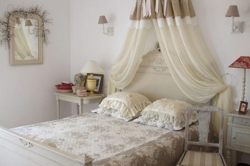 la chambre de michelle classique vos plus belles chambres romantiques journal des femmes. Black Bedroom Furniture Sets. Home Design Ideas