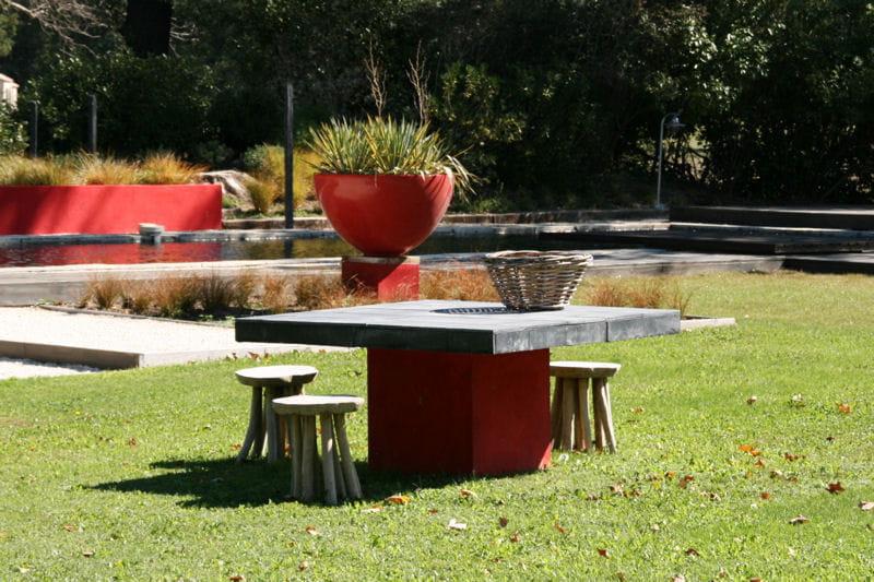 Table de jardin b ton un mat riau de plus en plus d co - Table de jardin en beton ...