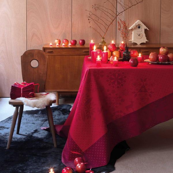 nappe magie d hiver baies rouges du jacquard fran 231 ais table de no 235 l place 224 la d 233 co de f 234 te