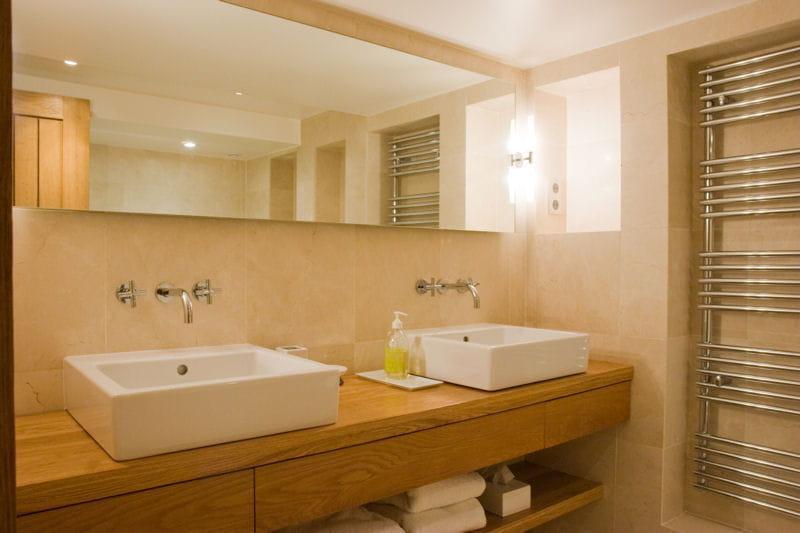 en ch ne massif huil salle de bains et bois un duo suivre journal des. Black Bedroom Furniture Sets. Home Design Ideas