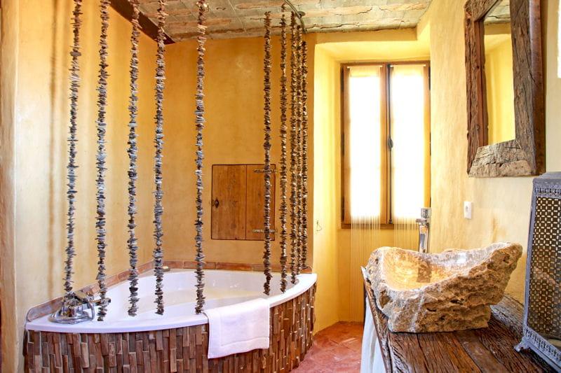 Le bois sous toutes ses formes salle de bains et bois - Salle de bain en bois et pierre ...