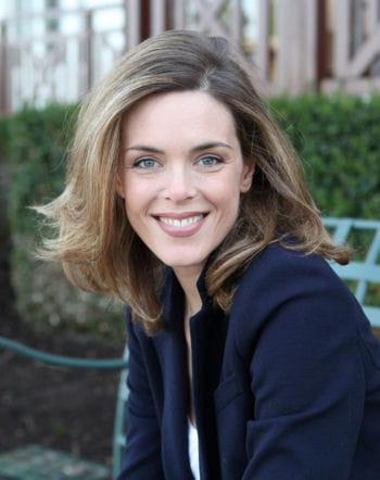 Julie andrieu maman pour la premi re fois r tro 2012 for Coupe de cheveux julie andrieu