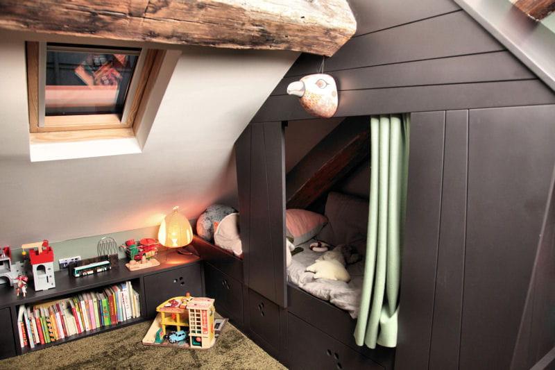 Un vrai lit cabane dans une chambre d 39 enfant une suite for Chambre d enfant original