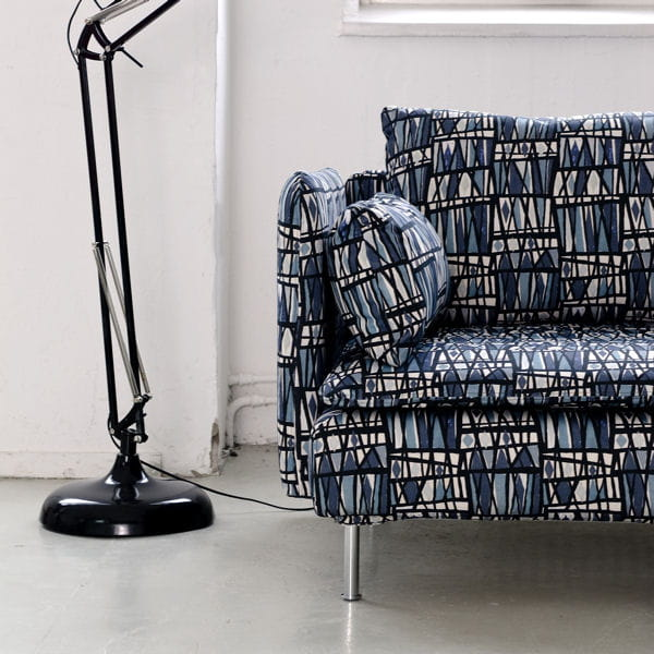 trac au crayon canap ikea des tissus vintage par bemz journal des femmes. Black Bedroom Furniture Sets. Home Design Ideas