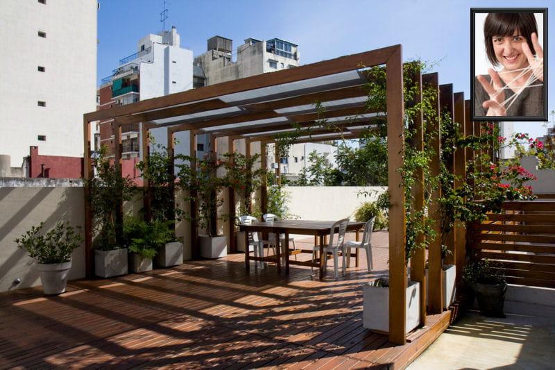 Un toit terrasse en ville pour m lanie d co les for Decoration terrasse en ville