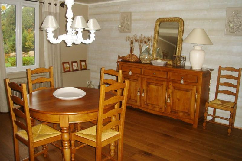 Salle manger bois for Mobilier de salle a manger en bois