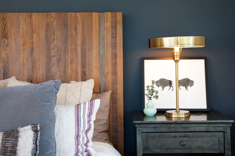 une t te de lit au caract re bien tremp le bois. Black Bedroom Furniture Sets. Home Design Ideas
