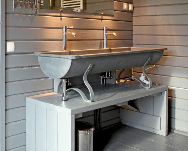 Decoration Cuisine Image : abreuvoir de ferme  20 meubles vasque récup pour la salle de bains