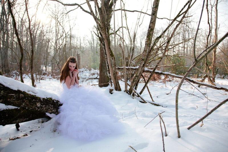 Une robe qui se fond dans le d co un mariage dans la for Robes mignonnes pour les mariages d hiver