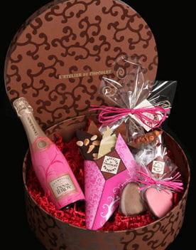 coffret saint valentin de l 39 atelier du chocolat saint valentin nos id es cadeaux journal. Black Bedroom Furniture Sets. Home Design Ideas