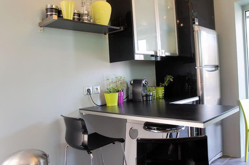 l 39 espace repas visitez la maison de laurence journal des femmes. Black Bedroom Furniture Sets. Home Design Ideas