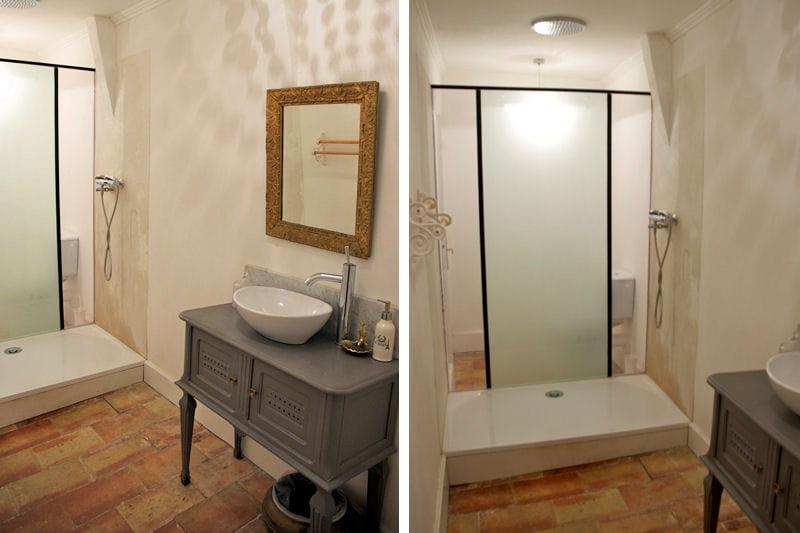 une salle de bains dans la tourelle d co color e et baroque en pays cathare journal des femmes. Black Bedroom Furniture Sets. Home Design Ideas