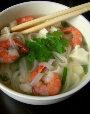 soupe minceur pho aux crevettes et au tofu express soupe minceur les recettes pour maigrir. Black Bedroom Furniture Sets. Home Design Ideas