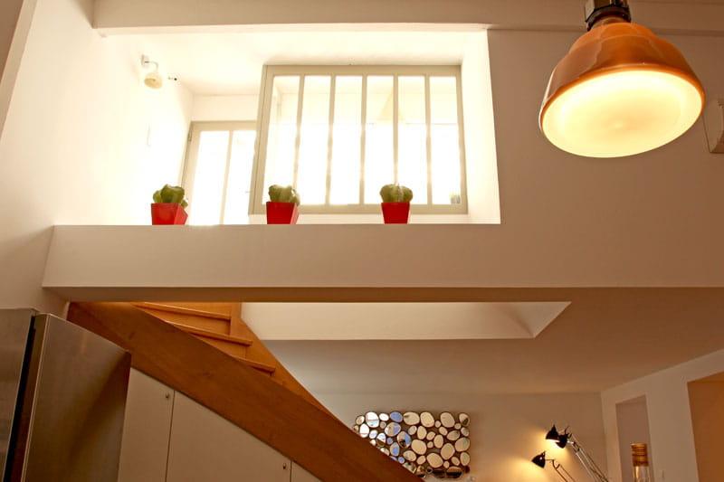 Terrasse en apesanteur un appartement aux mille facettes d co journal des - Escalier en apesanteur ...