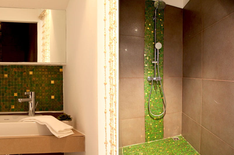 Salle de bain carrelage marron pictures to pin on pinterest - Carrelage marron salle de bain ...