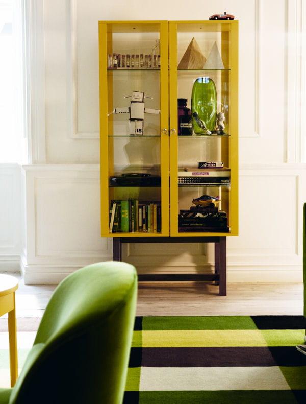 vitrine stockholm d 39 ikea ikea zoom sur la nouvelle collection stockholm journal des femmes. Black Bedroom Furniture Sets. Home Design Ideas
