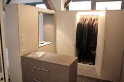 l'éclairage, une option pour l'aménagement intérieur d'un dressing.