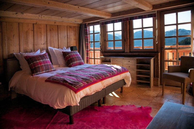 Chambre la d co rose un chalet la d co chaleureuse et bois e journal - Deco chambre original ...