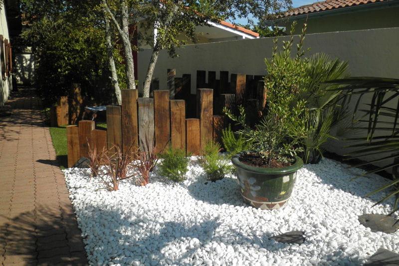 Mulch min ral au sol un jardin japonais facile for Jardin facile a entretenir
