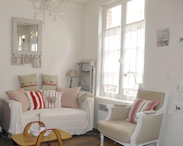 jouer sur les hauteurs de rideaux 10 astuces d co de lectrices journal des femmes. Black Bedroom Furniture Sets. Home Design Ideas