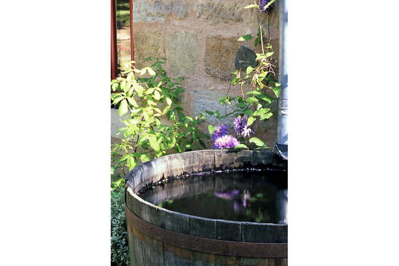 bassin de r cup ration d 39 eau un jardin trois en un en corr ze journal des femmes. Black Bedroom Furniture Sets. Home Design Ideas