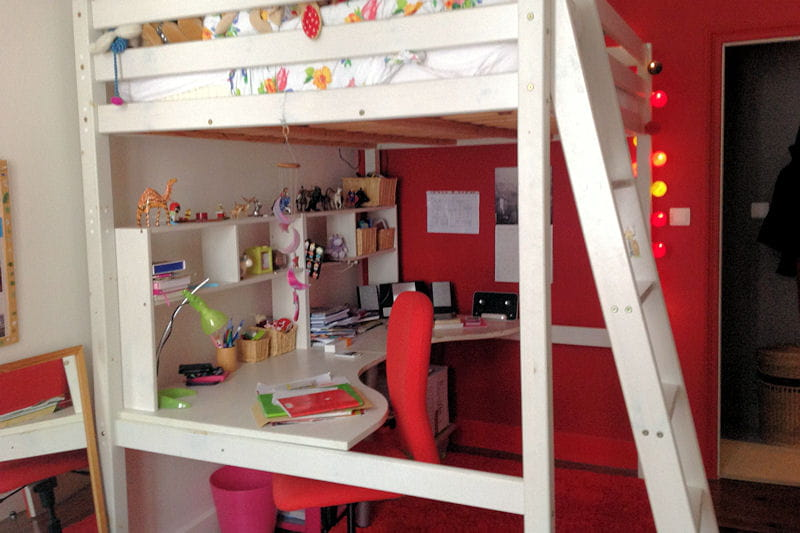 Une chambre avec lit mezzanine visitez la maison de for Modele chambre ado ikea