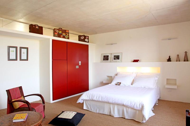 esprit de voyage maison atypique dans une ancienne poste journal des femmes. Black Bedroom Furniture Sets. Home Design Ideas