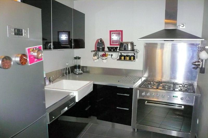 Cuisine ikea noire et inox les cuisines ikea en situation journal des femmes - Credence inox cuisine ikea ...