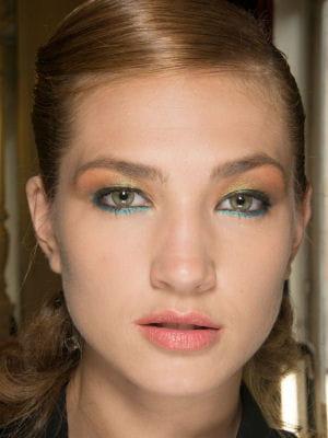maquillage des yeux le fard paupi res vert dor maquillage des yeux la tendance pastel. Black Bedroom Furniture Sets. Home Design Ideas