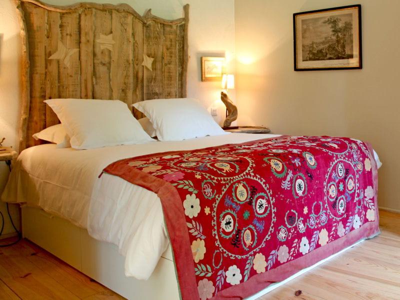dessus de lit folk fleurs les fleurs en d co quel bonheur journal des femmes. Black Bedroom Furniture Sets. Home Design Ideas