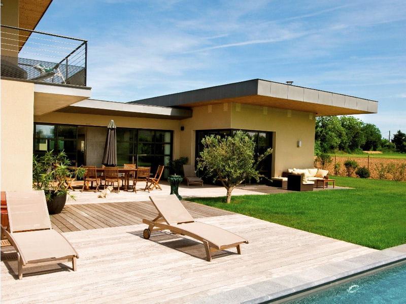 terrasse contemporaine terrasse 70 photos pour vous inspirer journal des femmes. Black Bedroom Furniture Sets. Home Design Ideas