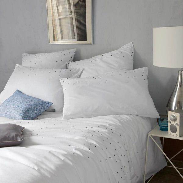 Housse de coussin en lin de cyrillus du linge de lit en lin pour la chambre journal des femmes - Linge de lit cyrillus ...
