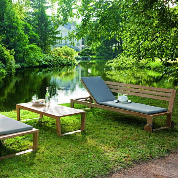 mobilier de jardin pause d tente dans un transat banc deux en un de truffaut journal des. Black Bedroom Furniture Sets. Home Design Ideas