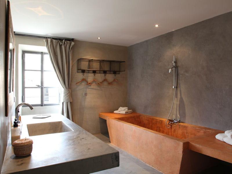 Salle de bains en b ton salle de bains 80 id es top piquer aux d corate - Idee salle de bain originale ...