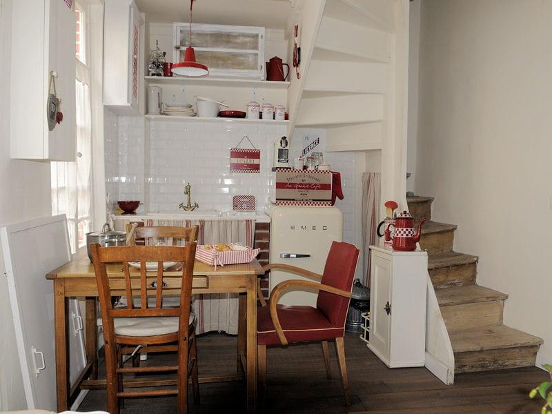 cuisine sous un escalier cuisine les plus belles pi ces des lectrices journal des femmes. Black Bedroom Furniture Sets. Home Design Ideas
