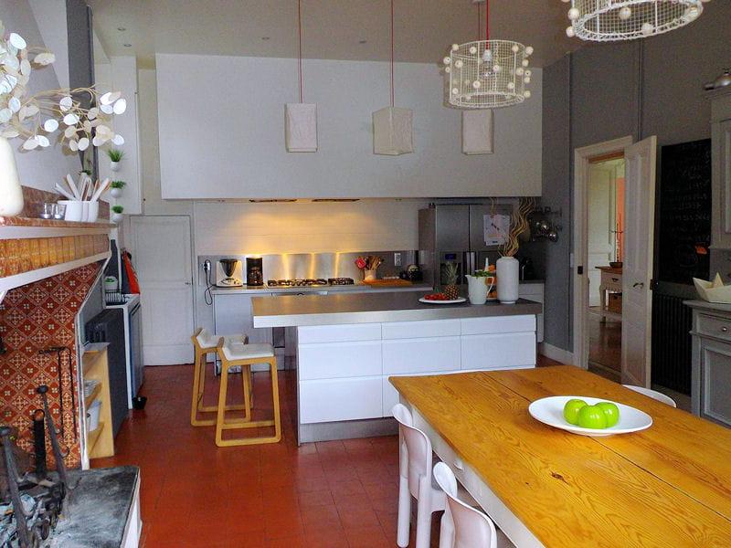 cuisine avec chemin e cuisine les plus belles pi ces des lectrices journal des femmes. Black Bedroom Furniture Sets. Home Design Ideas