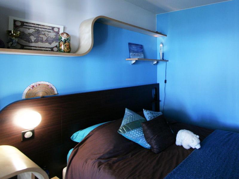 Couleur Peinture Ocre : Chambre dado seventies  Déco bleu  il flotte comme un petit air de