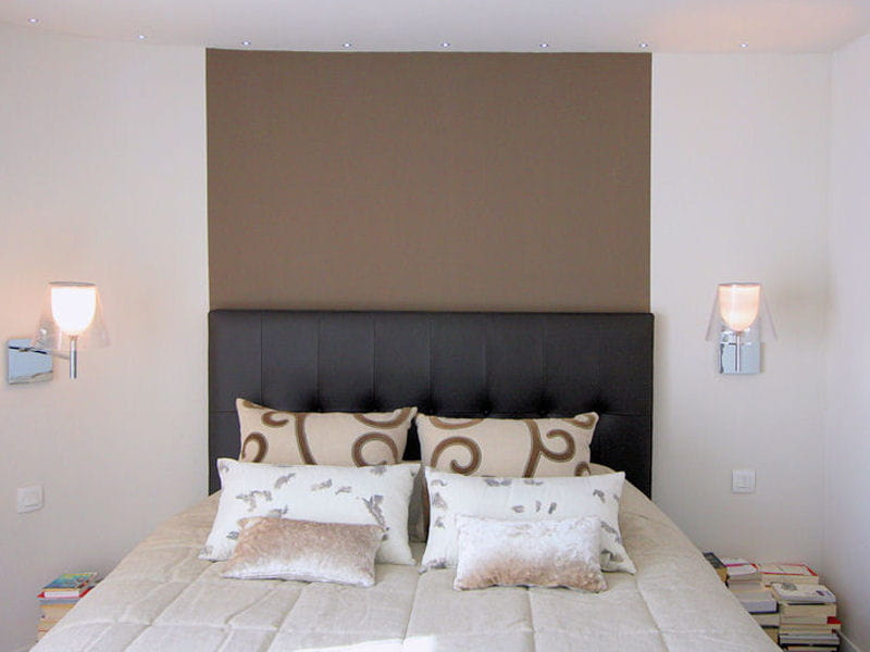 couleur taupe en t te de lit couleur taupe 12 ambiances douces et neutres journal des femmes. Black Bedroom Furniture Sets. Home Design Ideas