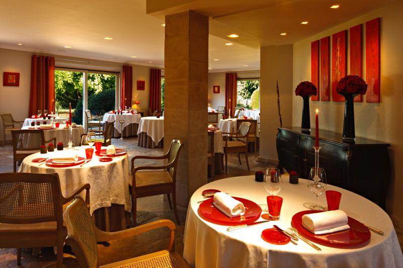 l 39 hostellerie de levernois le restaurant gastronomique. Black Bedroom Furniture Sets. Home Design Ideas