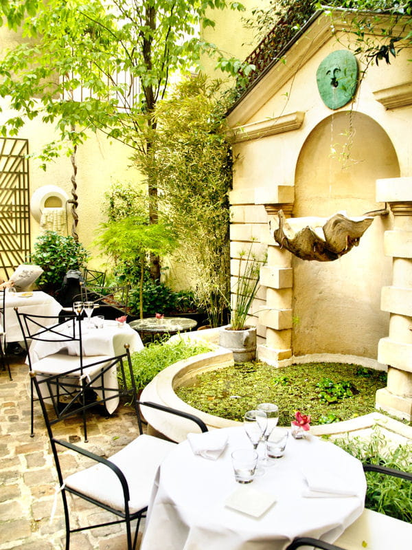 Le jardin secret de l 39 h tel restaurant terrasses chics for Le secret hotel paris