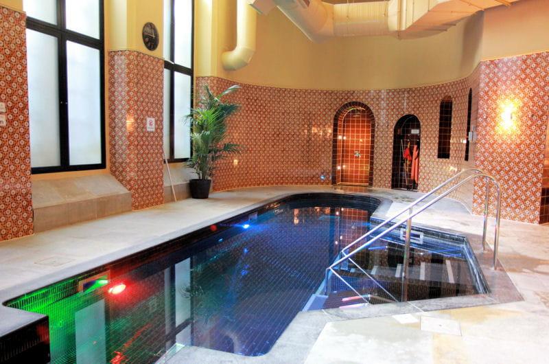 St pancras renaissance london hotel la piscine nuit for Renaissance piscine