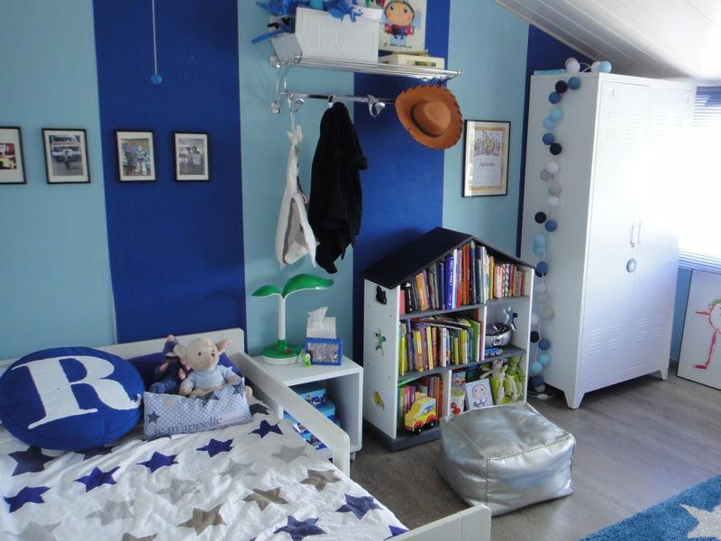Une chambre d 39 enfant toute en bleu visitez la maison de - Chambre d enfant bleu ...