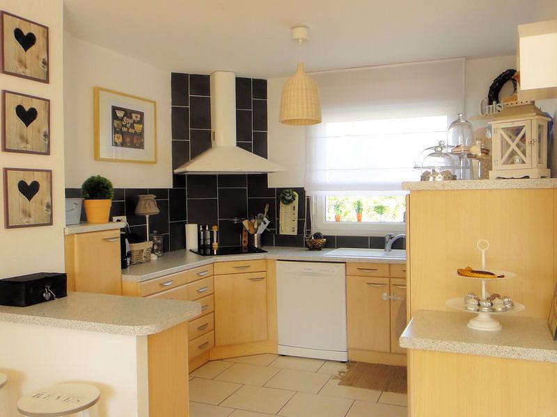 Une cuisine cosy et ouverte visitez la maison de sophie for Cacher une cuisine ouverte