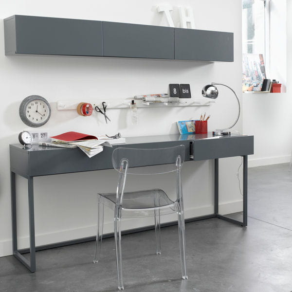 bureau laqu de la redoute un bureau m me dans un petit. Black Bedroom Furniture Sets. Home Design Ideas