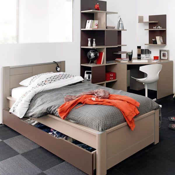 bureau d 39 angle tactil de gautier un bureau m me dans un petit espace journal des femmes. Black Bedroom Furniture Sets. Home Design Ideas